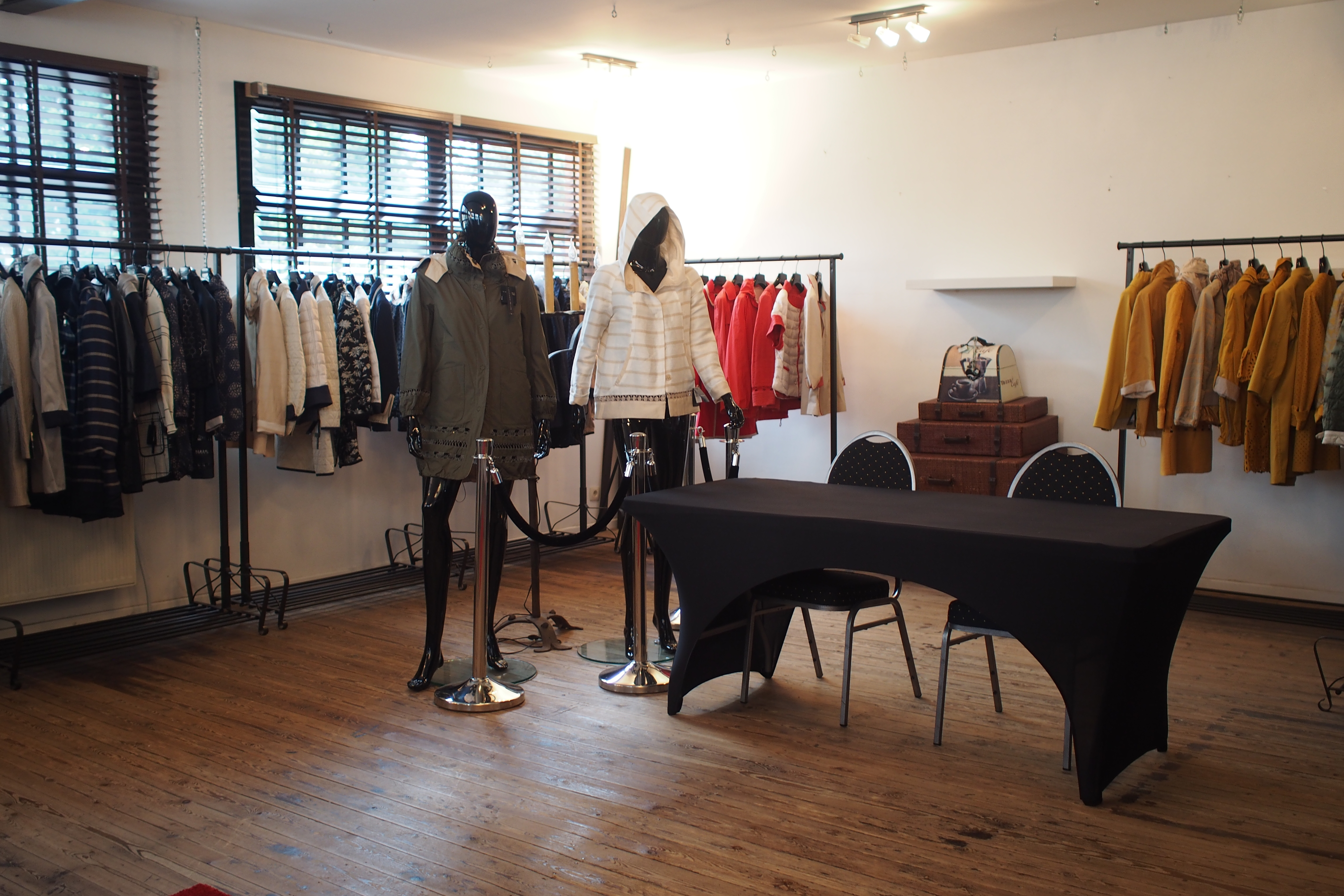showroom 1 picture